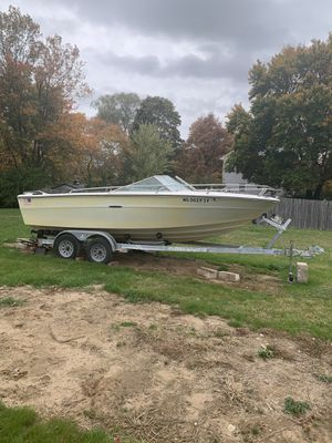 Sea Ray 20ft Boat and trailer for Sale in Taunton, MA