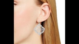 Kendra Scott Kristen earrings for Sale in San Antonio, TX