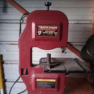 "Tradesman 9"" Two Wheel Bench Band Saw for Sale in San Antonio, TX"
