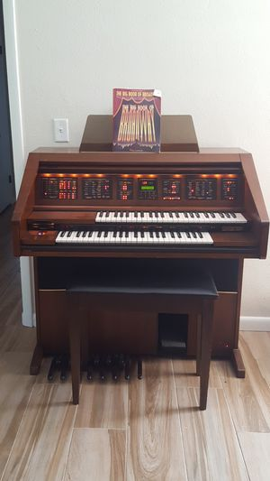 Lowrey Holiday FX Touch Bar Electric Organ for Sale in Clearwater, FL