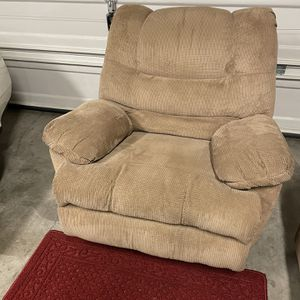 Recliner, Couch and Loveseat Set for Sale in Hillsboro, OR