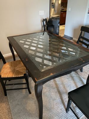 Table and Chairs for Sale in Tampa, FL