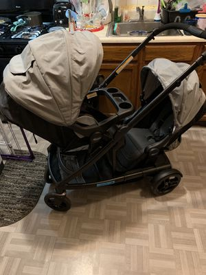 Graco Uno2Duo Double Stroller with both seats for Sale in Germantown, MD
