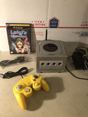 Nintendo GameCube Silver Bundle Luigi's Mansion Rare Controller + Cables for Sale in Lowellville, OH