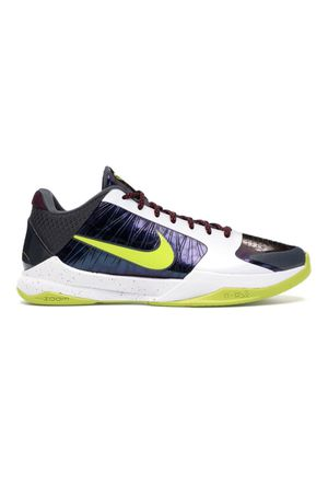 Kobe chaos size 8 for Sale in East Los Angeles, CA