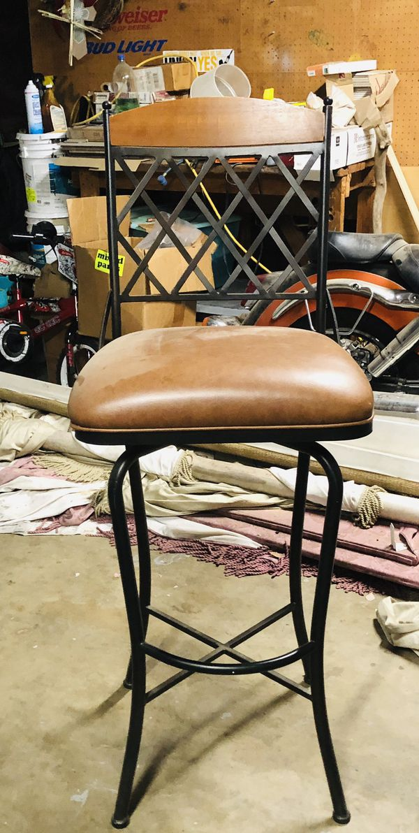 Tall bar stool good condition