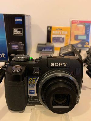 Sony digital camera DSC-V3 and lots of accessories for Sale in Long Grove, IL
