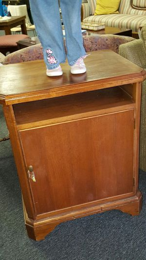 Solid Wood End Table for Sale in Abingdon, MD