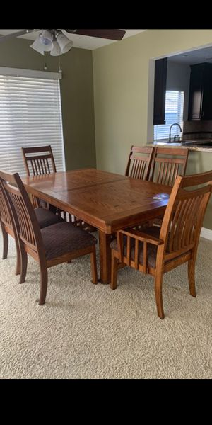 Dining room table and chairs for Sale in Tustin, CA