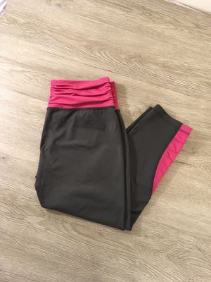 Patagonia Work Out Capri Yoga Pant for Sale in Apple Valley, CA