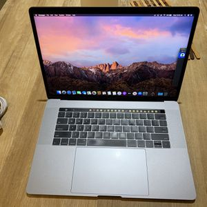 "Late 2016/2017 MacBook Pro 15.4"", quad core i7 2.9ghz, 1TB SSD,4GB dual Graphic,Touch Bar/ID for Sale in Chino Hills, CA"