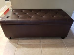 Beautiful ottoman with storage for Sale in Tampa, FL