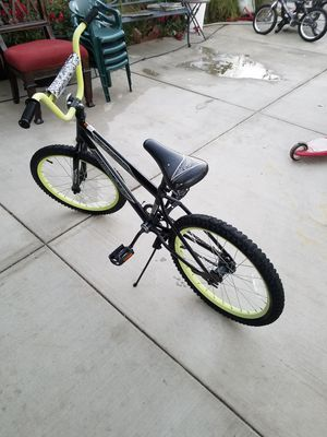 Nice Huffy bike for Sale in Corona, CA