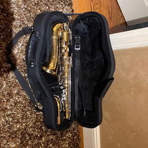 Bundy 2 Selmer Alto Saxophone for Sale in Lindenhurst, NY