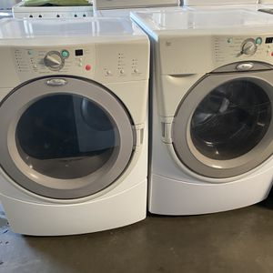Washer And Dryer Gas Whirlpool for Sale in Long Beach, CA