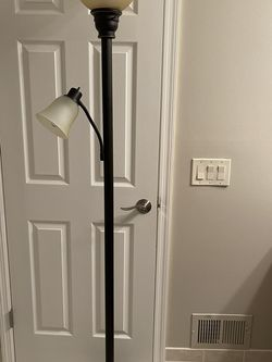 """Torchiere floor Lamp 71"""" Great Shape Porch Pick Up Middletown for Sale in Red Bank,  NJ"""
