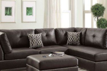 Stylish  and Modern  Sectional Sofa  and Ottoman  for Sale in El Monte, CA