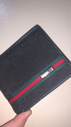 Authentic Gucci wallet for Sale in Dearborn, MI
