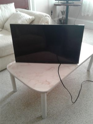 Tv sharp 32 for Sale in Cleveland, OH