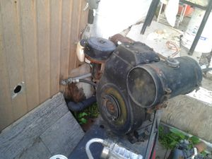 Vintage two and a half horse Briggs & Stratton motor runs great for Sale in Nipomo, CA