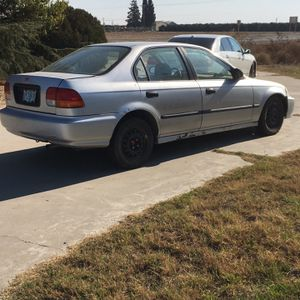 1996 Honda Civic Needs Front Tire for Sale in Fresno, CA