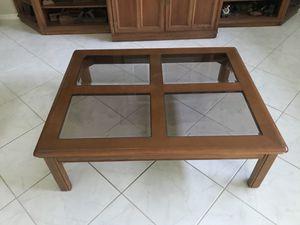 Solid oak & glass Bernhardt coffee table. for Sale in Pembroke Pines, FL