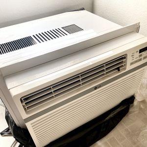 LG 12,000 BTU window AC for Sale in Apple Valley, CA
