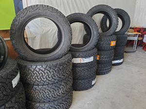 Venom power tires and dirt mud tires for Sale in Ruskin, FL