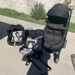 Car seat and stroller set for Sale in Compton, CA