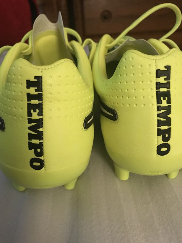0742df1cd1b0 Nike Tempo soccer cleats for Sale in Puyallup, WA - OfferUp