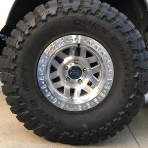 17 inch beadlock wheels KMC machete and Method mr106 for Sale in Artesia, CA