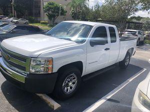 Chevy Silverado 2013 for Sale in Hialeah, FL