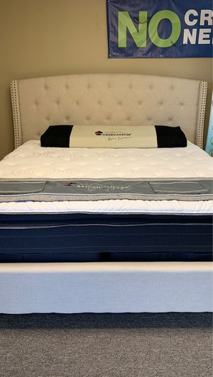 King-size cascade pillow top mattress with Ivory bed free delivery for Sale in Irving, TX
