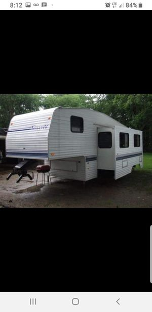 FLEETWOOD TERRY 5TH WHEEL for Sale in Fort Mill, SC