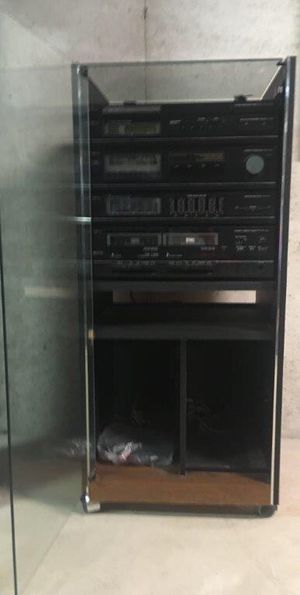 Sears LXi Stereo System w/ 2 LXi Cabinet Speakers for Sale in Batsto, NJ