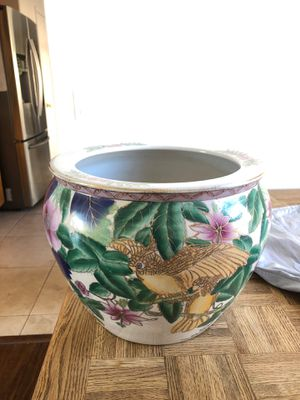 LARGE Flower pot with floral design. for Sale in Chino, CA