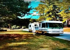 My wife and I purchased 2000 Forest River Windsong 349S Roof AC runs cold. for Sale in Haverhill, MA