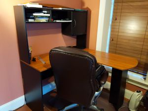 L shaped desk with a leather chair for Sale in Dunn Loring, VA