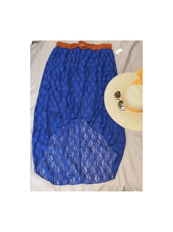 NO BOUNDARIES high-low skirt