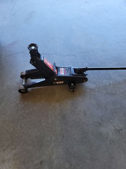 Craftsman 2.  1/4 Ton Floor Jack W/ Case for Sale in Spokane, WA