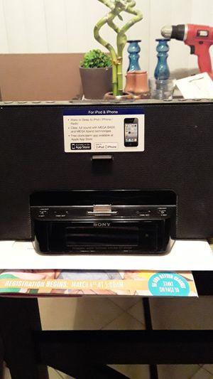 Ipod/iPhone radio speaker for Sale in Santa Ana, CA