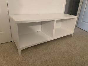 White TV Stand IKEA Besta 18351 for Sale in Kissimmee, FL