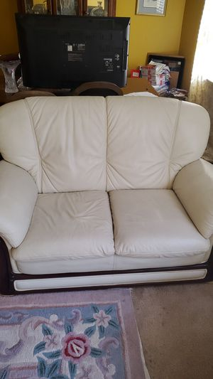2 seater white leather couch for Sale in San Ramon, CA