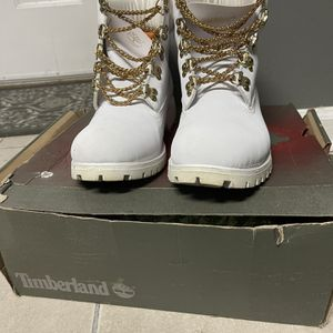 White Timberland 9.5 for Sale in Lithonia, GA