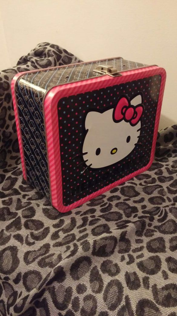 Hello Kitty Tin Lunchbox