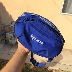 Supreme Fanny Pack/waist Bag for Sale in Los Angeles, CA