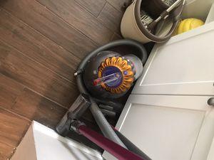 Dyson ball vacuum for Sale in Miami, FL