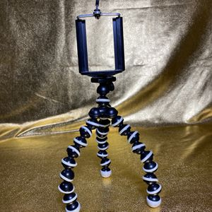 "Flexible Tripod 6.5"" Gripster With Free Phone Holder. for Sale in San Antonio, TX"