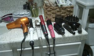 SUPER DEAL ON HAIR STYLERS BUNDLE for Sale in French Camp, CA