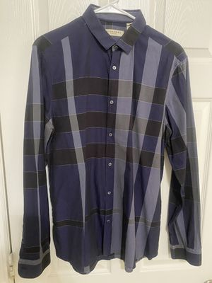 Burberry shirt for Sale in Clermont, FL